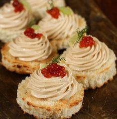 Canapes Recipes, Appetizer Recipes, Dessert Recipes, Appetizers, Desserts, Romanian Food, Sushi, Special Recipes, Finger Foods