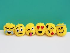 These emoji ornaments are totally fun and a cinch to make! What's great about this project is that I recently found a new simple way to make yarn pom poms.(How To Make Christmas) Pom Pom Crafts, Yarn Crafts, Holiday Crafts, Christmas Crafts, Emoji Christmas, Christmas Ornaments, Christmas Christmas, Emoji Craft, Pom Pom Animals