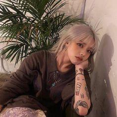 Mode Ulzzang, Ulzzang Korean Girl, Uzzlang Girl, Asian Tattoos, Girl Tattoos, Mujeres Tattoo, Sacs Louis Vuiton, Chica Cool, Bad Girl Aesthetic