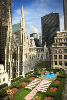 Wow......AMAZING!   Rooftop wedding in Manhattan.