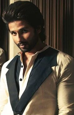Shahid Kapoor Pictures - Shahid Kapoor Photo Gallery - 2015