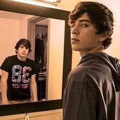Bullied by Hayes Grier:Chapter 1 - Sierra is 13 years old. That lives with ere mom and only her mom. She also gets bull. Magcon Family, Magcon Boys, Hayes Grier Shirtless, Benjamin Hayes Grier, Cute 13 Year Old Boys, Vine Boys, Movies For Boys, Jack Johnson, Cameron Dallas