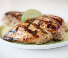 Chicken Delicious - Grilled Montreal Chicken & Raspberry Salad Night: Epicure's Grilled Montreal Chicken Breasts Clean Recipes, Healthy Recipes, Freezer Recipes, Freezer Meals, Healthy Foods, Easy Recipes, Raspberry Salad, Epicure Recipes, Chicken Breasts