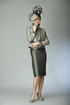 Elegant mother of the bride outfit designed by Presen