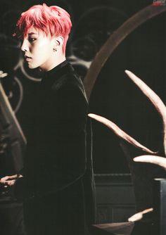 G-Dragon // PEACEMINUSONE