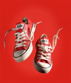 """You knock me off my feet."" made by Sam Cannon - Converse Converse Photography, Veuve Cliquot, Sam Cannon, Photographie Portrait Inspiration, Shoe Poster, Cinemagraph, Photoshop Design, Shoe Art, Converse All Star"