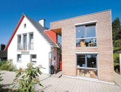 Wohnhaus von Wiebke und Hans-Martin Wollenberg in Hameln. Der Altbau wurde umgebaut und durch einen Anbau erg nzt. Fotos: Udo Geisler www.udo-geisler.de