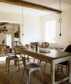 Today's post about kitchens is about rustic dining. By using reclaimed materials and reusing old pieces of furniture a homely, rustic dining room or kitchen can easily be created.