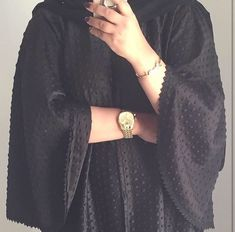 Beautiful in Black — IG: so_chic_abaya Modern Abaya, Modern Hijab Fashion, Hijab Fashion Inspiration, Iranian Women Fashion, Arab Fashion, Muslim Fashion, Stylish Hijab, Stylish Girl, Abaya Noir