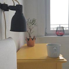 Monday ️ First coffee in bed ️ Kommt gut in die Woche!Eine graue Wolkensuppe da draußen,aber wird schon - hoffentlich ️  #bedroom #butfirstcoffee #coffee #coffeetime #copper #decor #decoration #goodmorning #gutenmorgen #Hamburg #hh #home #homedecor #homeinspo #instadaily #instahome #instainspo #instamood #interior #interiordesign #interiors #kupfer #monday #montag #timeforcoffee
