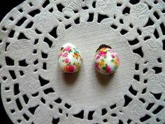 Boucles d'oreilles clips cabochon oval petites fleurs multicolores : Boucles d'oreille par la-boutique-de-nath