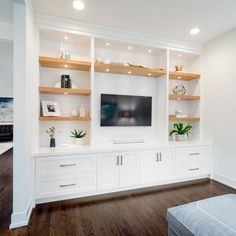 Built In Shelves Living Room, Built In Wall Units, Living Room Wall Units, New Living Room, Living Room Designs, Tv Built In, Living Room Ideas With Tv, Built In Media Center, Living Room Decor Tv