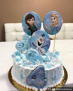 Repost from @makarovamarusy @TopRankRepost #TopRankRepost #именины #деньрождениялюбимойдоченьки #любимаядоча #вкусняшки #сделайсам #своимируками #домашняявыпечка @pryanya32 Огромное спасибо за пряники!!! Они шикарны! Совместная работа с @pryanya32 Frozen Birthday Cake, Frozen Party, Anna Frozen Cake, Cake Designs For Girl, Elsa Cakes, Hello Kitty Cake, Disney Cakes, Party Cakes, Amazing Cakes