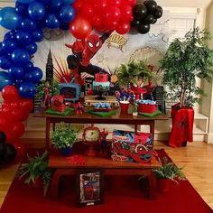 32 Ideias de Decoração Festa Infantil Homem-Aranha #homemaranha #festainfantil Spiderman Theme, Amazing Spiderman, Superhero Party, 4th Birthday, Decoration, Party Themes, Birthdays, Baby Boy, Christmas Tree