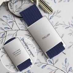 Personalisierbarer Schlüsselanhänger klassisch Design3000, Fitbit Flex, Writing Styles, Classic, Blue