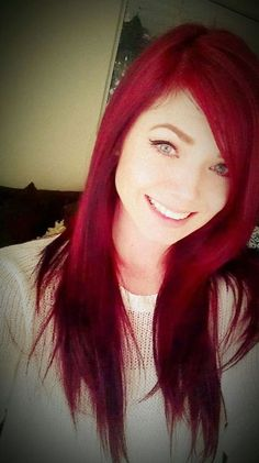 Beautiful bright red hair. i wish i was daring enough to color my hair! but i would miss my blonde locks <3