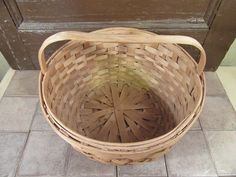 Great sturdy woven splint ash garden carrying basket with solid wood raised handle- great condition, solid, fully functional, beautiful by HeathersCollectibles on Etsy