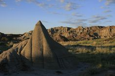 The magic hour descends upon Dinosaur Provincial Park and the conditions are perfect for prospecting for the remains of prehistoric creatures. The striations in the hills tell a tale of an ancient …