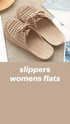Crochet Sandals Free, Crochet Boot Socks, Knitted Slippers, Womens Slippers, Womens Flats, Cute Crochet, Easy Crochet, Classy Wear, Crochet Vest Pattern