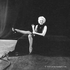 Milton Greene, Marilyn Monroe, black sitting …
