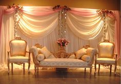 So classy right? Love the softness of the decor, beautiful!