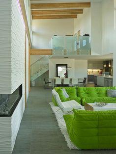 #Wohnzimmer Innenräume Dieses Wohnzimmer In Grün Und Weiß Ist So Erhebend  #garten #Ideen