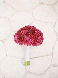 Wedding Bouquets : Picture Description Carnations: www.stylemepretty… - #Bouquets https://weddinglande.com/accessories/bouquets/wedding-bouquets-carnations-www-stylemepretty/