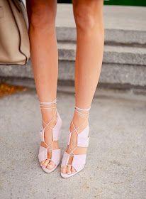 Zapatos queridos...¿Quién puede vivir sin amarlos?   ♡ ♡ ♡   Ve todos los posts-  aquí-.     Amo los zapatos y amo la foto.       Pretty. ...