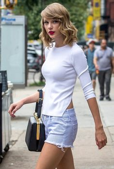 Cool Taylor Swift HD Images http://www.designsnext.com/taylor-swift-hd-images/