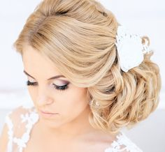 Wedding Hairstyle Ideas for Long Hair. To see more: http://www.modwedding.com/2014/04/04/wedding-hairstyle-ideas-for-long-hair/ #wedding #weddings #fashion #hair #hairstyle Featured Stylist: Elstile