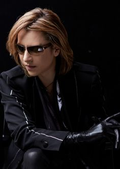 YOSHIKI(X JAPAN)in black