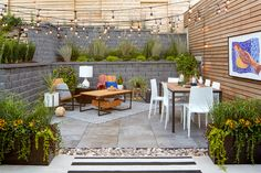 Install Poles to Hang Outdoor String Lights Lighting makes outdoor spaces feel inviting. Here's a simple, sturdy way to hang those pretty string lights you've been eyeing. Backyard Patio Designs, Backyard Projects, Diy Patio, Backyard Landscaping, Patio Ideas, Backyard Cafe, Backyard Drainage, House Projects, Yard Ideas