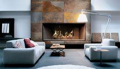 PIZARRA MULTICOLOR RÚSTICA | Pizarra de tonalidades marrón con alternancia de colores rojos y dorados | #panel #pizarra #interior #exterior #arquitectura #design