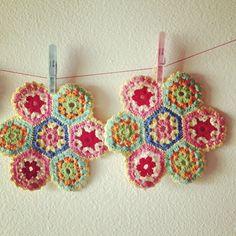 Crochet yummy color potholders