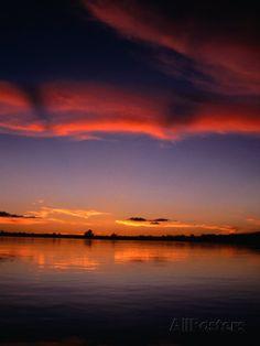 Sunset Over Water in the Amazon Region, Amazonas, Peru Fotografie-Druck von Shannon Nace bei AllPosters.de