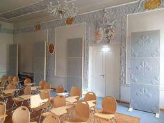 Ferrari school Innsbruck #Whisperwool #acousticpanel #sheepwool #textiledesign #acousticceiling Innsbruck, Ferrari, Acoustic Panels, Sheep Wool, Mirror, Furniture, School, Home Decor, Decoration Home