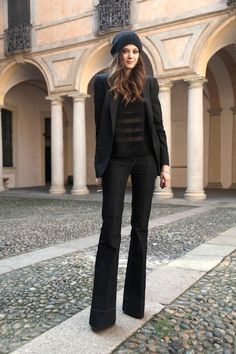 9 Ultra-Cool Ways To Wear Flared Jeans (via Bloglovin.com )