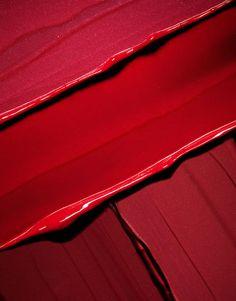~ texture rouge, entre peinture et plastique ~ #red #texture #plastic #paint