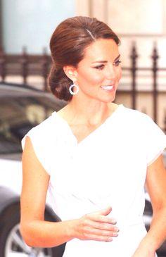 Kate's gorgeous hairstyle.