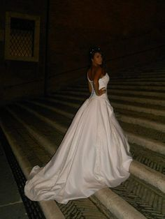 Robe de mariée unique du créateur Armilani Mariage Paris