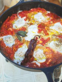 """mexican breakfast huevos rancheros, only 218 cals per serving """"of an adult woman's guideline amt""""   Jamie Oliver   Food   Jamie Oliver (UK)"""