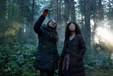 Director Ava DuVernay with Storm Reid on the set of Disney's A Wrinkle in Time. Photo Credit: Atsushi Nishijima / Atsushi Nishijima The discourse comparing Ava DuVernay's A Wrinkle in Infinity War, Science Fiction, Kubo And The Two Strings, Female Directors, A Wrinkle In Time, Walt Disney Pictures, Walt Disney Studios, Superhero Movies, Lineup