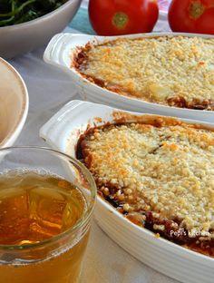 Μελιτζάνες με Τυριά και Σάλτσα Ντομάτας http://pepiskitchen.blogspot.gr/2015/08/melitzanes-me-tyria-kai-saltsa-ntomatas.html