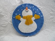 Christmas Sewing, Christmas Knitting, Christmas Crafts For Kids, Holiday Crafts, Christmas Things, Christmas Ideas, Felt Snowman, Snowman Christmas Ornaments, Felt Ornaments