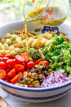 Try our Easy Pasta Salad Recipe packed with flavor and crisp fresh broccoli marinated in a homemade zesty Italian dressing. A summer classic! salad with italian dressing Easy Pasta Salad Recipe, Healthy Salad Recipes, Pasta Recipes, Diet Recipes, Cooking Recipes, Homemade Pasta Salad, Pasta Salad Italian, Vegetarian Pasta Salad, Healthy Pasta Salad