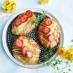 Kermaruusu: Laiskan leipojan viinerit Acai Bowl, Breakfast, Food, Acai Berry Bowl, Morning Coffee, Recipes, Essen, Meals, Eten