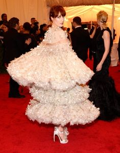Florence Welch | 118 Photos Of The Fabulous Divas, Exposed Models, Glamorous Goths And More From The Met Gala Red Carpet