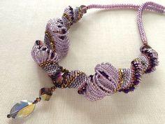 キラキラボリュームスパイラルネックレス #カザリ咲色 #ビーズ #ビーズフラワー #ビジュー #ハンドメイド #ネックレス #手作り #手芸 #アクセサリー #コスチュームジュエリー #bead #beads #bijou #beading #beadedflower #beadswork #beadwork #beadsph #bijoux #beaded #biser #necklace #handmade