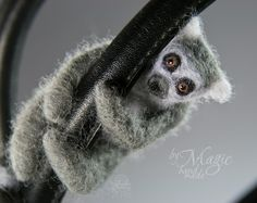 Needle felt lemur, bag accessories, lemur bag charm, small toy, needle felted sculpture, handbag charm, hanging lemur, gift for her - pinned by pin4etsy.com