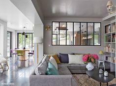 living room, lounge. finestre industriali per open space semi diviso <3